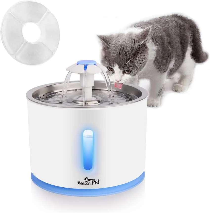 Fuente de agua para gatos y perros pequeños