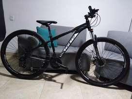 Bicicleta GW zebra negra $ 700 negociables con tajeta de propiedad y factura.