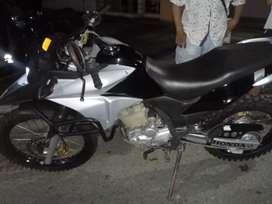 Se vendo moto xre 300 Mod 2016 en buen estado