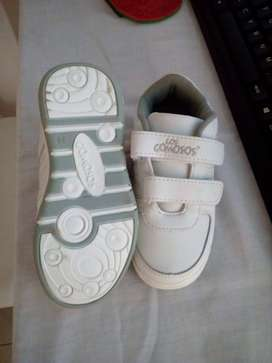 se venden zapatos para niñ@ nuevos