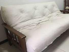 Futón con colchón con resorte