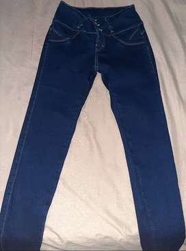 Pantalones Jean Dama (Nuevo) - LOS 2 X S/.50.00
