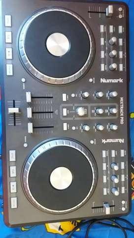 Vendo mi controlador Numarck Mixtrack Pro
