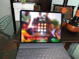 Vendo ipad pro 12.9  2019 + teclado smart keyboard original de apple
