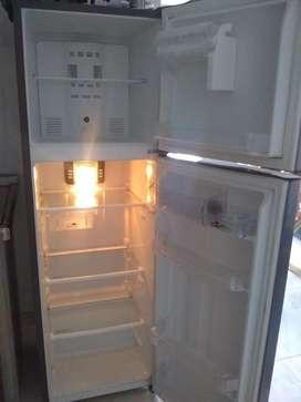 Nevera Centrales No Frost De 250lts Con Luz Led Rcea250oyce
