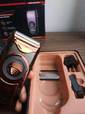 Afeitadora Portatil Y Recargable Geemy Gm-9001