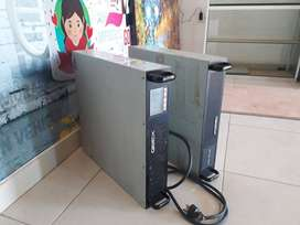 Qbex Epsilon 2000 UPS En Rack