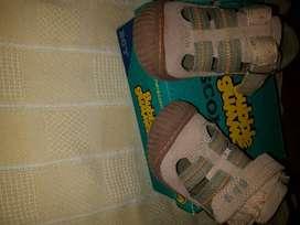 sandalias niños. cuero bubble gummers T 27 usada