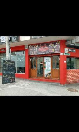 Se vende un restaurant en ambato centro de la.ciudad