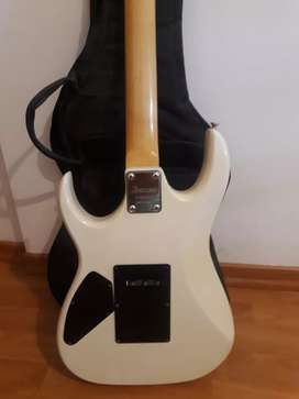 Imperdible guitarra!!