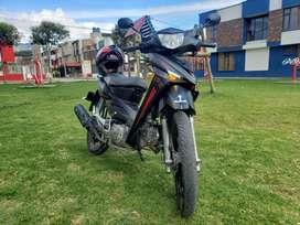 Se vende moto semiautomática AKT FLEX EVOLUTION en excelente estado, Único dueño motor 125 CC, cuenta con freno de disco