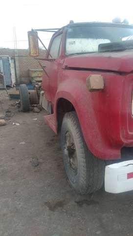 Ovación vendo  camion doge 900