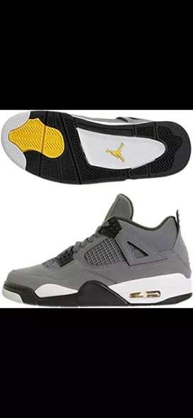 Tenis en bota Nike Jordan Retro 4 caballero