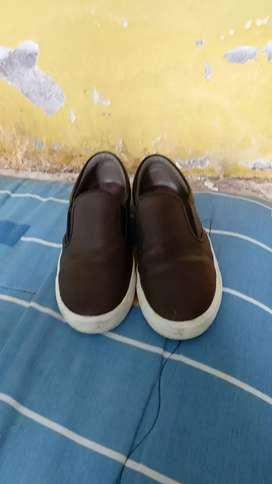 Zapatos semini nuevo  marca reebook
