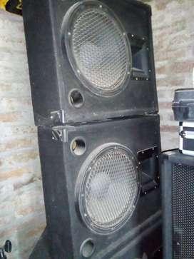 Par de monitores de piso pasivos 250W RMS