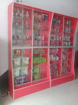 Venta de vitrinas y exhibidores para farmacia