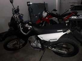 VENDO-PERMUTO-FINANCIO/YAMAHA 250 2012