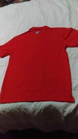 vendo  permuto  camisa nueva  importada   COLUMBIA ,.