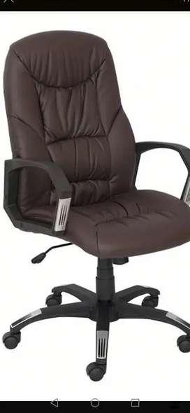 Armado de sillas ejecutivas