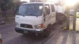 Camión HYUNDAI HD 65 Doble Cabina c/Plataforma Hidráulica