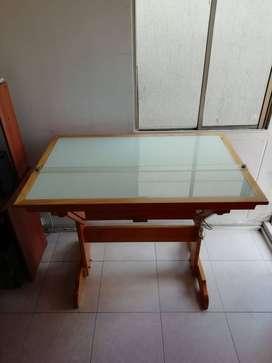 Mesa de Dibujo ajustable en madera con luz y paralela