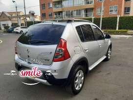 Se Vende carro Sandero stepway