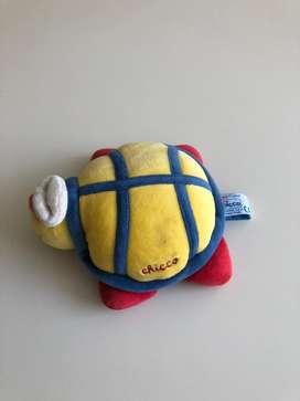 Peluche tortuga sonajero Chicco. Impecable. $599.