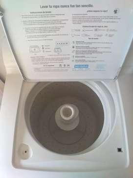 Vendo linda lavadora con garantía de 2 años