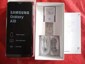 Vendo Samsung A10 nuevo a estrenar. Con garantía.