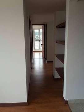 Venta de Apartamento con 1 año de uso en excelentes condiciones con parqueadero y deposito
