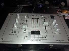 mixer audio tech en buen estado