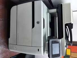 Impresora HP láser jet pro 400 color mfp