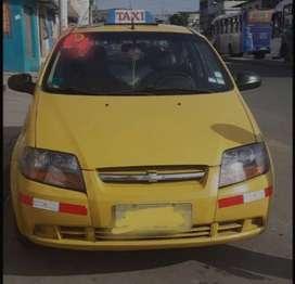 Vendo taxi amarillo con puesto de oportunidad