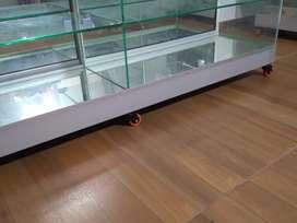 Vendo 2 vitrinas de exhibición  medidas 1.70 largo x 163 altura