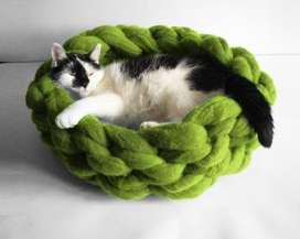 Canasta tejida para gatos o mascoTa pequeña, Cesta O camita tejida manualmente.