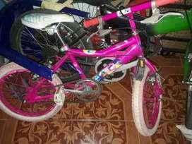 bicicleta de niña  en buen estado rin 16