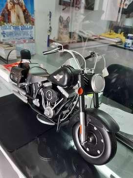 Vendo hermosa moto harley de coleccion