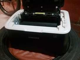 Impresora Samsung casi nueva cables no incluidos