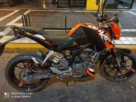 Única KTM DUKE 200cc , impecable.