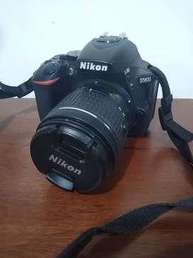 Vendo camara Nikon D5600 incluye tripode weifeng