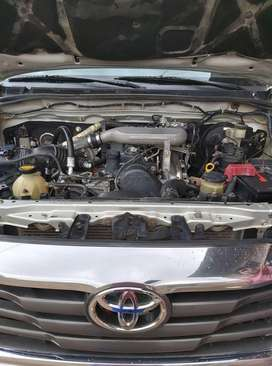 toyota hilux motor 2kd color gris