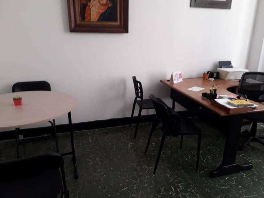 ARRENDO OFICINA - CENTRO DE PEREIRA