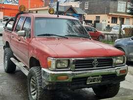 Toyota hilux 2.4 naftera