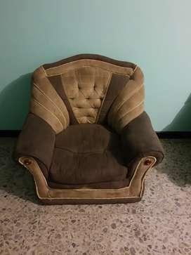 Gratis...tres sillas de sala por engativá