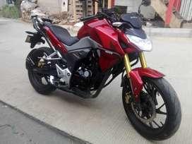 Vendo moto Honda CB190R en excelente estado.