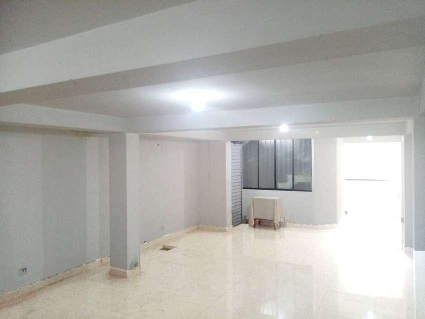 Alquiler (S/.2300) consultorio - oficina - taller