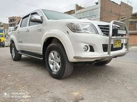 HILUX SRV FULL IMPECABLE 2014 PARTICULAR SIN USO