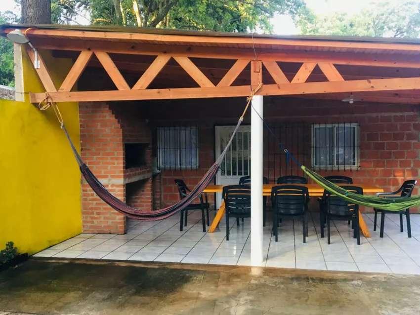 Alquilo casa en Ituzaingo por día. Playa y bajada de lancha 0