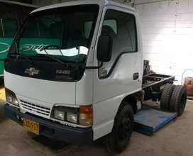 NKR, modelo 2003, chasis,