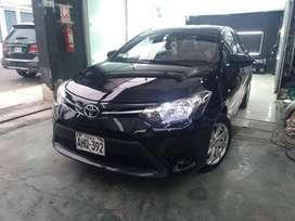 Toyota Yaris 2015 opertivo 100%